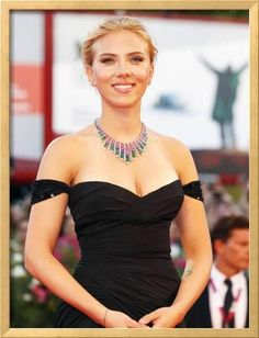 Photo of Scarlett Johansson - Venice Film Festival - Under the Skin - Premiere - Picture Browse more than pictures of celebrity and movie on AceShowbiz. Girl Celebrities, Beautiful Celebrities, Celebs, Beautiful Women, Bollywood Celebrities, Beautiful People, Venice Film Festival, International Film Festival, Gal Gadot