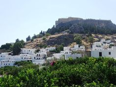 Planning a trip to the island of Rhodes, in Greece and you are looking for information? In this post find the best things to do in Rhodes, Greece. Best Vacation Spots, Best Vacations, Rhodes Island Greece, Stuff To Do, Things To Do, Old Churches, Crystal Clear Water, Acropolis, Viajes