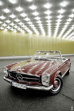 1970 Mercedes-Benz 280SL #Mercedes #SL #MercedesBenzofHuntValley