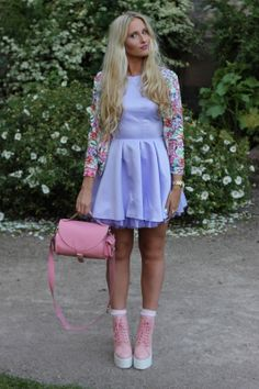 Pink leather barrel bag by Grafea www.grafea.co.uk