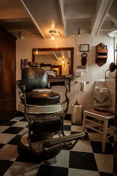 All Things Barber Shop — Shave and a Haircut by Robert. Barber Shop Interior, Barber Shop Decor, Barber Shop Chairs, Barber Chair, Dandy, Kane Chairs, Pelo Vintage, Shaved Hair Cuts, Barbershop Design