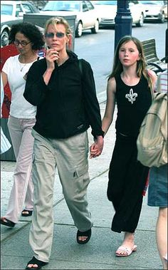 Kim Bassinger y Alec Baldwin, a la gresca por la custodia de su hija - 20minutos.es
