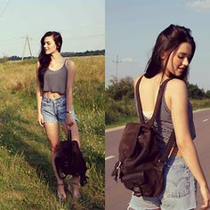 Patrycja Dobrowolska - H&M Black And White Striped Crop Top, Vooc Dark Brown Handmade Leather Backpack, Levi's® Vintage Jeans, Atlantic Golden Watch With Leather Strap, Tommy Hilfiger Flesh Coloured Platforms - Backpack on my back