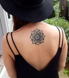 """Résultat de recherche d'images pour """"mandala tattoo dos"""""""