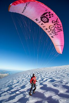 steck_summits 3 mountains in 12 hrs by paragliding from one peak to the next summit. Amazing