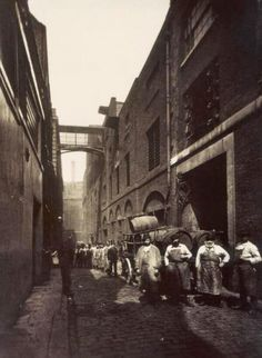Castle St Seven Dials delivering gallons of beer & Porter to the 14 Pubs on the Street / LONDON Victorian Life, Victorian London, Vintage London, Old London, London Pictures, London Photos, Old Pictures, Old Photos, London History