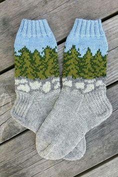 Magic: Socks on the Forest Stones - Super knitting Wool Socks, Knit Mittens, Knitting Socks, Hand Knitting, Knitted Hats, Knitting Patterns, Crochet Shoes, Crochet Slippers, Knit Crochet