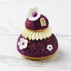 Image associée Desserts Français, Small Desserts, French Desserts, Plated Desserts, Delicious Desserts, Profiteroles, Eclairs, Choux Pastry, Pastry Cake