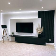 Classy Living Room, Living Room Tv, Home And Living, Home Design Decor, Home Room Design, Interior Design, Elegant Home Decor, Lounge Areas, Floor Design
