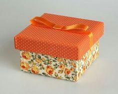 Laranja Decoupage Vintage, Decoupage Box, Indian Beadwork, Decoupage Tutorial, Hat Boxes, Explosion Box, Diy Box, Shoe Box, Creative Gifts