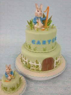 Adorable Peter Rabbit cake with the wooden door. May make top layer pink Cute Cakes, Pretty Cakes, Beautiful Cakes, Amazing Cakes, Peter Rabbit Cake, Peter Rabbit Birthday, Fondant Cakes, Cupcake Cakes, Beatrix Potter Cake