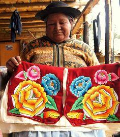 bordado huanca, Perú