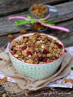 Granola aux noix de cajou, mulberries et noix de coco