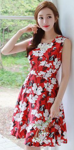 StyleOnme_Summer Floral Print Sleeveless Flared Dress #red #feminine #koreanfashion #kstyle #kfashion #dress #summerlook #seoul