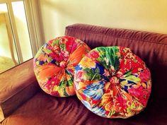 Almofada em tecido de chita , enchimento anialergico R$ 120,00