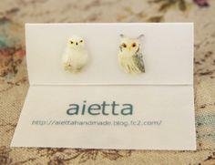 ミニチュアフクロウのピアス by aietta アクセサリー ピアス