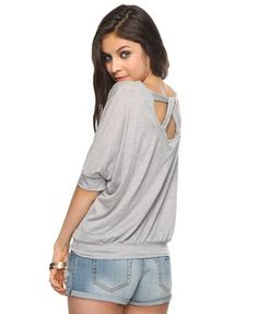 i really want this top. it looks cute and super comfy