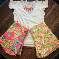 Which Lilly shorts would you wear with this top & necklace??? Call us at 813-258-8800 if you would like to purchase any of the items shown! #lillypulitzer #lillyshorts #summerstyle #summerfashion #socute #fashion #trendy #moshposhfinds #mymoshposh #designerconsignment