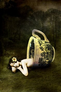 """""""The teacup"""" by Catrin Welz-Stein   Redbubble"""