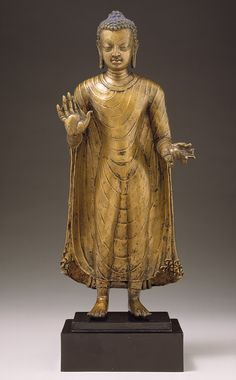 Buddha. Gupta period. SEcond half of 6th century India (probably Bihar). Source: https://imgur.com/PFLDpif