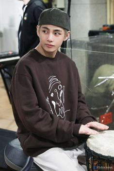Kim Taehyung <V>   Shared Folder   ARMY's Amino Bts Taehyung, Bts Bangtan Boy, Most Handsome Men, Falling In Love With Him, Kpop Fashion, Riding Helmets, Baseball Hats, Graphic Sweatshirt, Sweatshirts