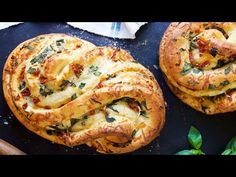 Pane Bianco Bakealong via (step-by-step photos) -a tasty loaf filled with fresh basil, tomatoes, garlic, and shredded cheese; the bread has wonderful soft texture, and is packed with flavor. Mini Quiches, Tasty Video, Bread Recipes, Cooking Recipes, Cheese Recipes, Dough Ingredients, Biscuits, King Arthur Flour, Instant Yeast