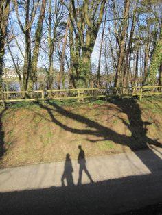 창작자들의 놀이터 : 그라폴리오 Life Is A Journey, Dublin, Sidewalk, Country Roads, London, Life's A Journey, Side Walkway, Walkway, London England