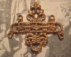 1 Large Vintage Heavy Struck Brass 4 ring Pendant by StarPower99, $8.40
