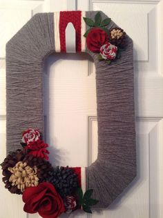 Ohio State Wreath - Gray w/ Red & White Stripes