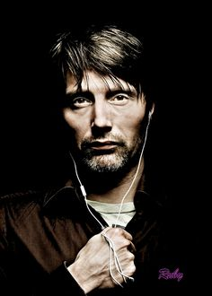 Mads Mikkelsen <3 Bone structure is amazing!