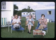 Tea and trailers. The ladies of the neighborhood were ready to meet the Queen.