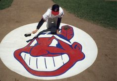 A Cleveland Indians batboy cleans the Chief Wahoo logo before a 1986 game against the White Sox. (Ronald C. Cleveland Baseball, Cleveland Indians Baseball, Cleveland Rocks, Cleveland Ohio, Kentucky Sports, Kentucky Basketball, Duke Basketball, Kentucky Wildcats, College Basketball