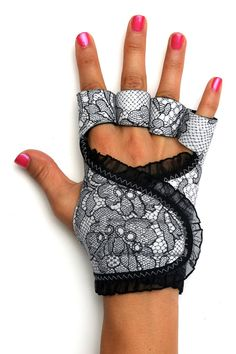 Lace workout gloves · g-loves workout gloves for women