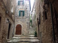 Castro dei Volsci - 1.5 hrs south east of Rome  this hill town is a hidden jewel in Ciociaria