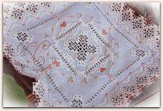 Incredibly beautiful stitchery here Hardanger Embroidery, Cross Stitch Embroidery, Ancient Persia, Brazilian Embroidery, Sewing Stitches, Cut Work, Sewing Hacks, Sewing Tips, Hand Stitching