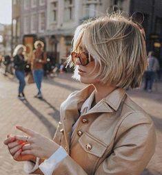 Women short hair 551902129336611809 - Modern-Blonde-Bob-Hair Latest Short Haircuts for Women 2019 Source by Stylish Short Haircuts, Popular Short Haircuts, Short Hair Cuts For Women, Short Hairstyles For Women, Short Hair Styles, Pixie Styles, Blonde Bob Hairstyles, Cool Hairstyles, Pixie Haircuts