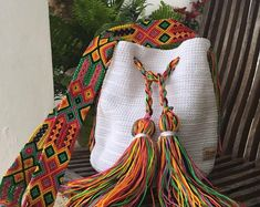 Otomi Mexican Craft Design by Otomiartesanal on Etsy Mochila Crochet, Mexican Crafts, Potli Bags, Maya, Embroidery Techniques, Design Crafts, Hand Knitting, Etsy, Purses And Bags