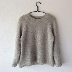 Raglansweateren – en gammel favorit med et nyt twist! Med den specielle markerede raglan vi...