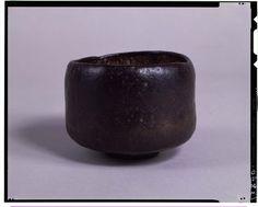 C0013840 黒楽茶碗_銘尼寺 - 東京国立博物館 画像検索