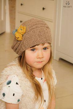 KNITTING PATTERN beanie hat Mila with crochet flowers