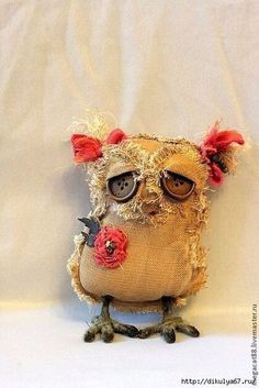 Awww a sad owl Fabric Toys, Fabric Birds, Fabric Art, Fabric Crafts, Textile Sculpture, Soft Sculpture, Textile Art, Owl Crafts, Burlap Crafts
