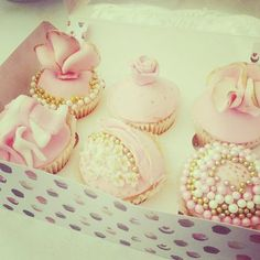pink and gold cupcakes | vintage gold and pink beaded cupcakes. - by lilopop2c @ CakesDecor.com ...