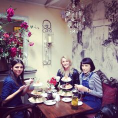 Le Chandelier East Dulwich Afternoon Tea Pinterest Teas Chandeliers And