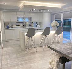 Luxury Kitchen Design, Kitchen Room Design, Home Decor Kitchen, Interior Design Kitchen, Home Kitchens, Open Plan Kitchen Living Room, Kitchen Dining Living, Dining Room, Dream House Interior