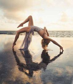 Double Exposure Photography, Levitation Photography, Ballet Photography, Water Photography, Macro Photography, Photography Poses, Tropical Beach Resorts, Tropical Beach Houses, Beautiful Park