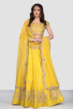 Love this yellow lehenga Lehenga Skirt, Lehenga Choli, Anarkali, Sarees, Mehendi Outfits, Bridal Outfits, Bridal Dresses, Indian Dresses, Indian Outfits