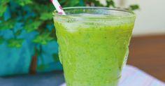 Eu amo suco verde e agora ando fazendo também o shake verde. A diferença é que ele fica mais grossinho e é batido com leite ou bebida vegetal. Já postei umas receitas de bebidas vegetais aqui e são…