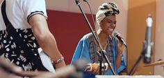 Ritmos del Pacífico Con el paso del tiempo y el nacimiento de nuevas propuestas musicales del Pacífico, el campo y la urbe han encontrado su espacio en las letras y ritmos que constituyen el presente de este gran movimiento, que representa una buena porción de Colombia. ¿Pero qué tanto han cambiado sus letras?,¿sus ritmos se han fusionado o se mantienen aferrados a sus cimientos? Todo esto lo descubriremos en esta travesía inagotable por los ritmos de Colombia.