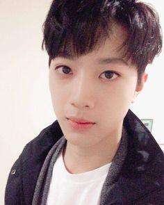 ❞ + sns spin-off dedicated to lai guan lin. Yoo Seonho, Korea Boy, Guan Lin, Lai Guanlin, Produce 101 Season 2, Kim Jaehwan, Ha Sungwoon, Nu Est, Cube Entertainment
