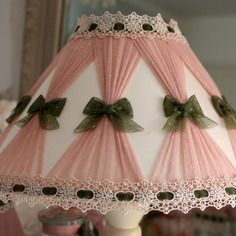 Super Ideas For Diy Lamp Tutorial Shabby Chic Rose Shabby Chic, Shabby Chic Lamp Shades, Shabby Chic Style, Shabby Chic Decor, Lace Lampshade, Lampshades, Shabby Chic Bedrooms, Shabby Chic Furniture, Deco London